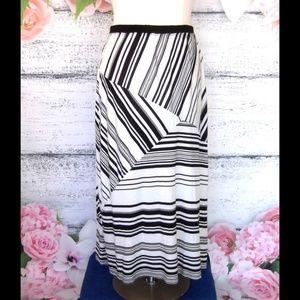 Studio Woman Black White Striped Maxi Skirt 1X